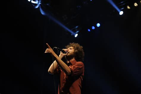 It Played Rage Zach De La Rocha In Rage Against The Machine Play The Target Center During The Rnc Zimbio