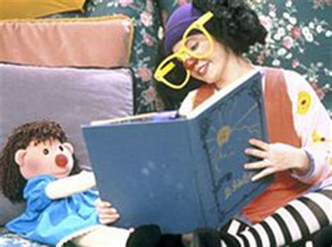 the big red couch loonette and molly the doll from the big comfy couch