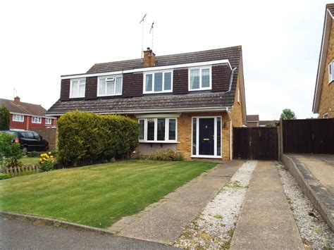 three bedroom house for sale in luton 3 bedroom semi detached house for sale in turnpike drive