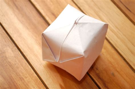 How To Make Paper Balloon - 25 best ideas about origami balloon on