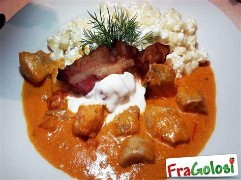 cucina ungherese ricette pesce gatto in salsa di funghi porcini con gnocchetti