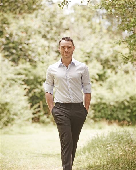 tiziano ferro the best of tiziano ferro the best of tzn cond 233 nast live