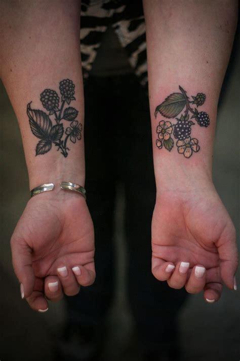 tattoo maker for blackberry best 25 blackberry tattoo ideas on pinterest black