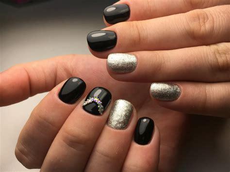 decorazioni unghie fiori 1001 idee per unghie gel nere idee manicure da copiare