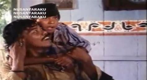 film pocong benyamin s benyamin s juga sukses perankan si doel anak sok modern