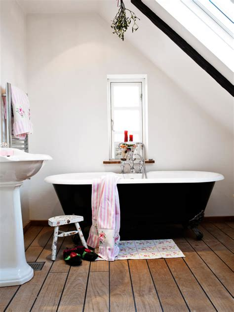 relaxing clawfoot bathroom tub ideas