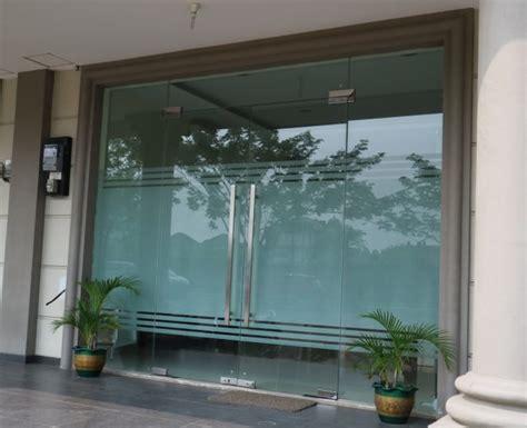 Tempered Glass Untuk Rumah jual kaca tempered pintu kaca tempered murah garansi 5th