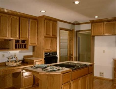 Touch Up Stain On Kitchen Cabinets by How To Touch Up Wood Kitchen Cabinets Ehow