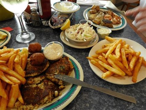 Harbor House Seafood by Mcelroy S Harbor House Seafood Restaurant Biloxi