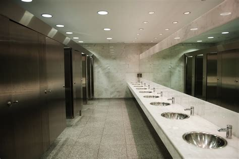 using public bathrooms study 95 percent of people don t properly wash hands