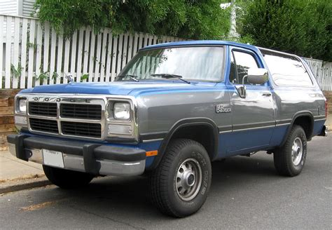 how it works cars 1992 dodge ramcharger electronic toll collection 10 badass 90 s dodge trucks solo auto electronics