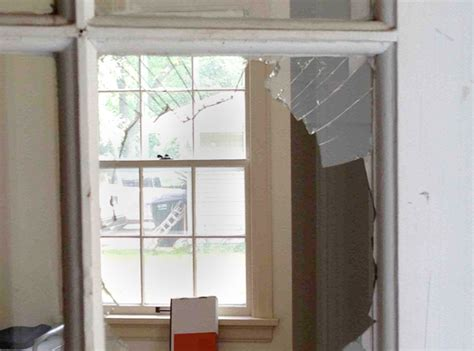 window house repair how to replace a broken window pane in a metal frame racingfile