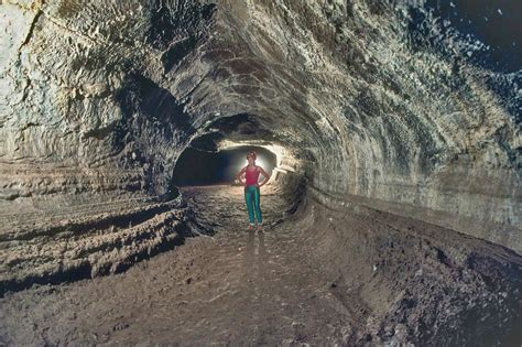 lade lava d 233 finition tunnel de lave futura plan 232 te