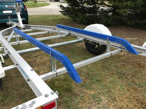 how to install carpet on boat trailer bunks difference between carpet and plastic boat trailer bunks