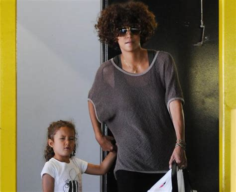 Halle Berry May Be Getting Hitched Soon by Halle Berry To Pay Baby Quarter Million Dollars A