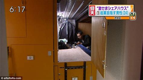 tokio wohnung living in a box the tiny coffin apartments of tokyo