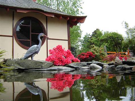 Japanese Water Garden With Statue Splendid Japanese
