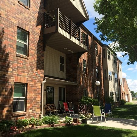 Carriage House Apartments by Carriage House Apartments Rentals Moorhead Mn
