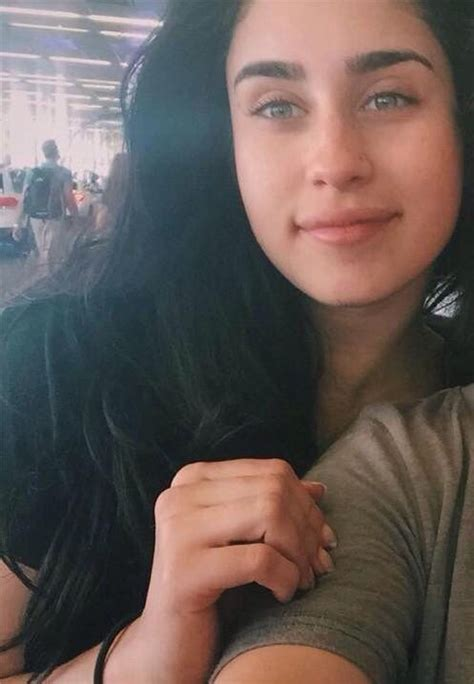 She Eye No 2 with no makeup is my fav thing she s eyebrows nose