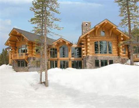beautiful log homes best 25 log cabin homes ideas on vuelta a las ra 237 ces vuelta a la madera m 225 s r 250 stica en el