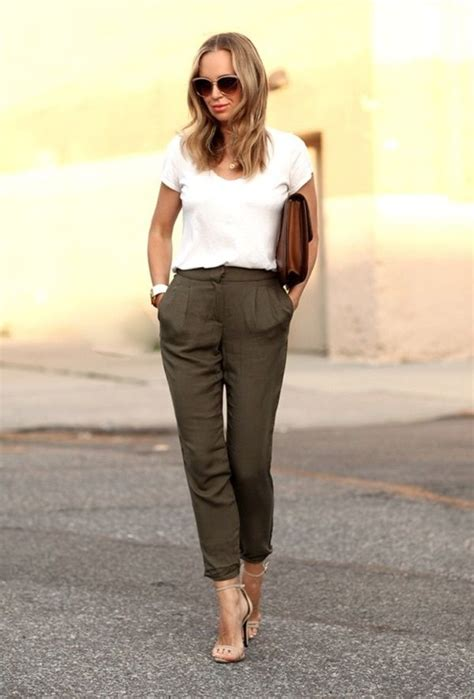professional buero frauen outfits fuer den sommer