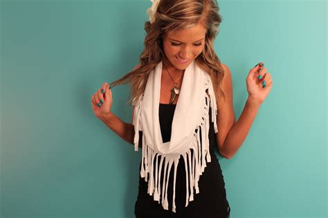 Fringe Scarf diy fringe scarf tutorial