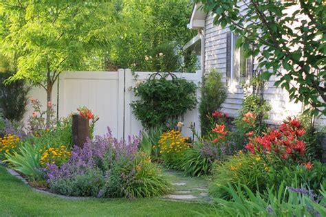 vw garden summer garden scenes