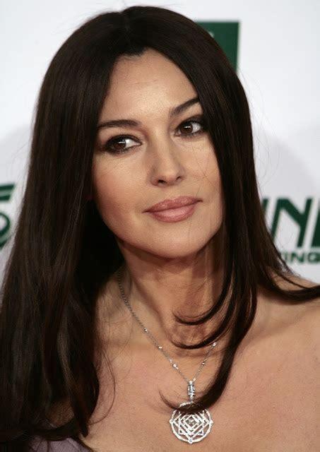 monica bellucci dob italian actress monica bellucci biography and lifestyle