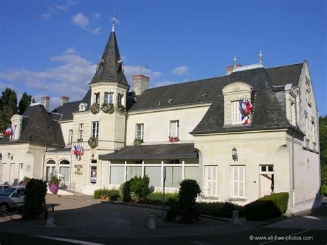 Photois photo city hall of bourgueil france