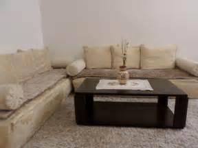 des mod 232 les de table basse pour le salon marocain