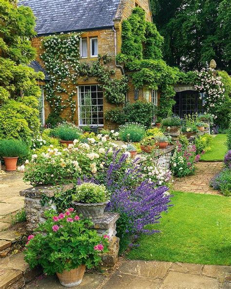 country flower gardens best 25 country gardens ideas on