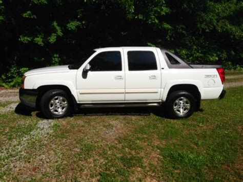 find used 2005 chevy avalanche 1500 z71 4x4 lt fully loaded luxury original owner in mckenney