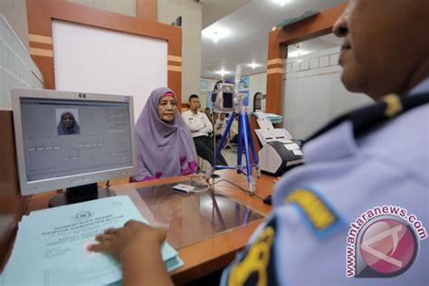 pembuatan paspor haji 2015 kemenag paspor calon haji pekanbaru tuntas 90 persen