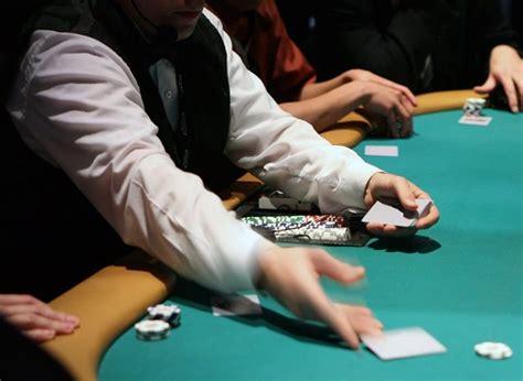 usa mazzo truccato dal dealer  favore del poker pro pokeritalia