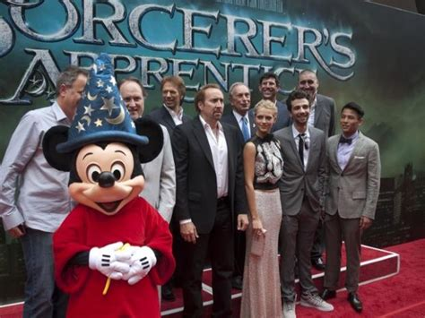 sorcerers apprentice cast nicholas cage cast of sorcerer s apprentice join mayor