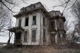 Real Haunted Houses Near Me by Photographer Visits Real Haunted Houses Across America