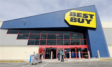 best buy best buy surprises all the place in second quarter