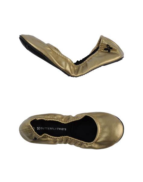 Balet Twist Flat Shoes lyst butterfly twists ballet flats in metallic