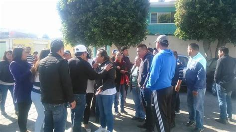 pulsored mx portal de noticias en tlaxcala cierran pobladores presidencia municipal de acuamanala e