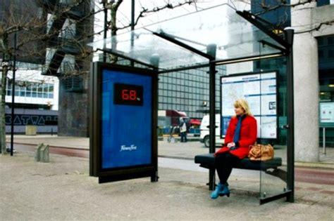 Kris Timbangan Badan Elektronik Merah 1 cegah kegemukan bangku halte diubah jadi timbangan boombastis portal berita unik viral