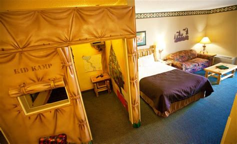 poconos themed hotel great wolf lodge concord compare deals