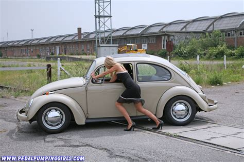 citroen cv ente duck  vw beetle bug cranking video