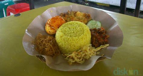 membuat kartu kuning di yogyakarta menyantap kelezatan nasi kuning di warung nasi kuning