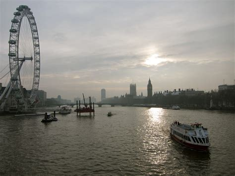 thames river rover 5 things any visitor to london must do team nomad