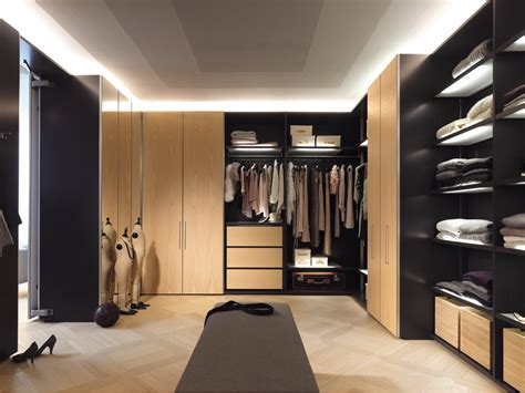 The Best Way Of Decorating Master Bedroom With Walk In Closet Pictures Design Bedrooms