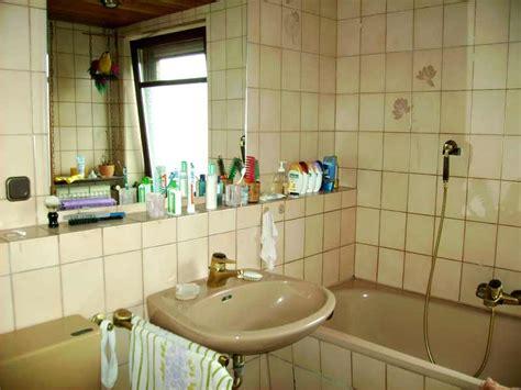 Badezimmer Tapezieren Oder Streichen by Badezimmer Streichen Oder Tapezieren