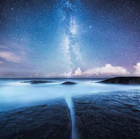 pemandangan malam penuh bintang  membuatmu