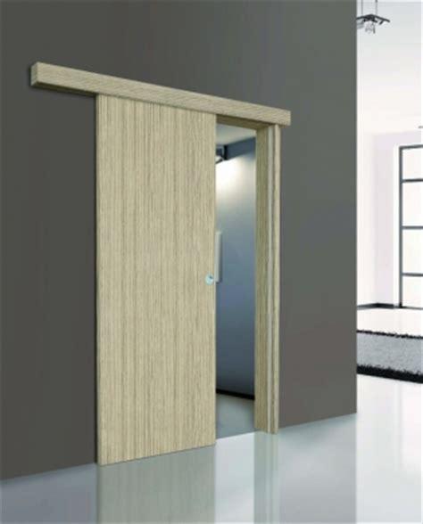 porta mantovana scorrevole esterno muro con telaio di passaggio