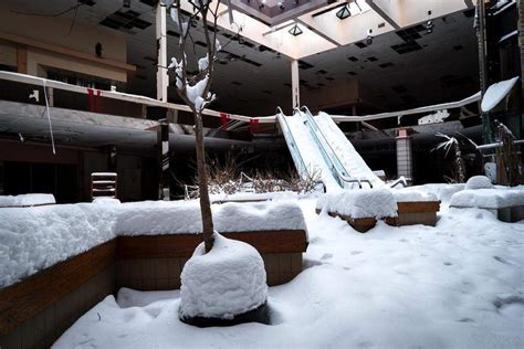 Rolling Acres Mall Snow Gallery | surreal photos show abandoned rolling acres mall buried in