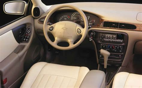 2000 chevrolet malibu interior photo 3